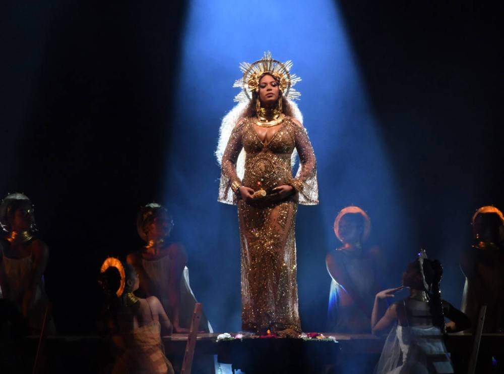 rs_1024x759-170212180602-1024-beyonce-grammy-awards-show.jpg